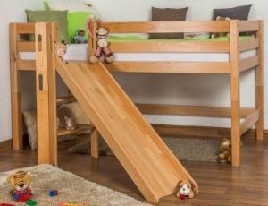 Kinderhochbett aus Massivholz mit Rutsche